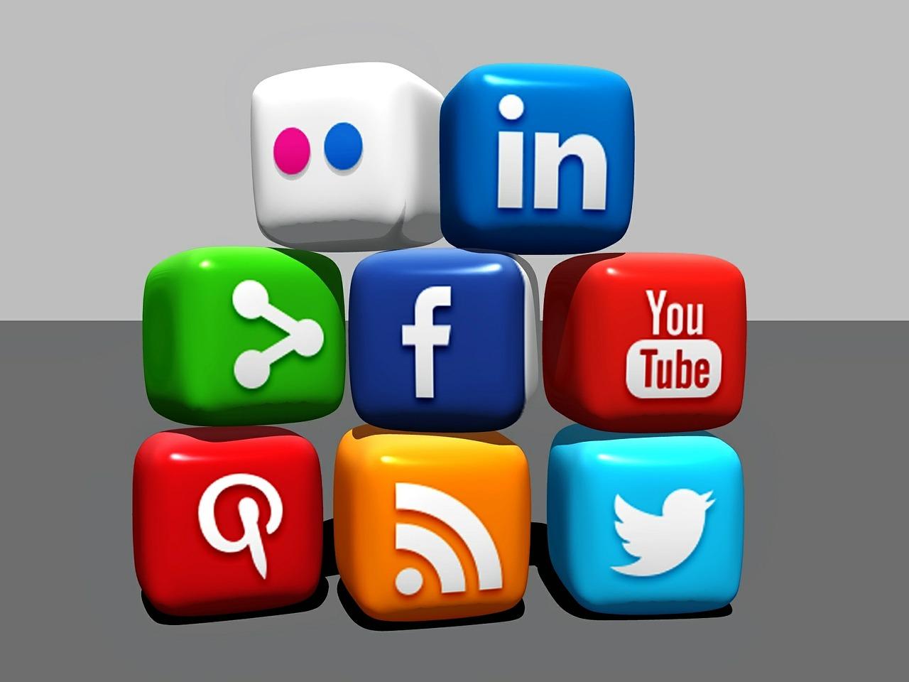 Social Media, Blocks, Blogger, Linkedin, Facebook