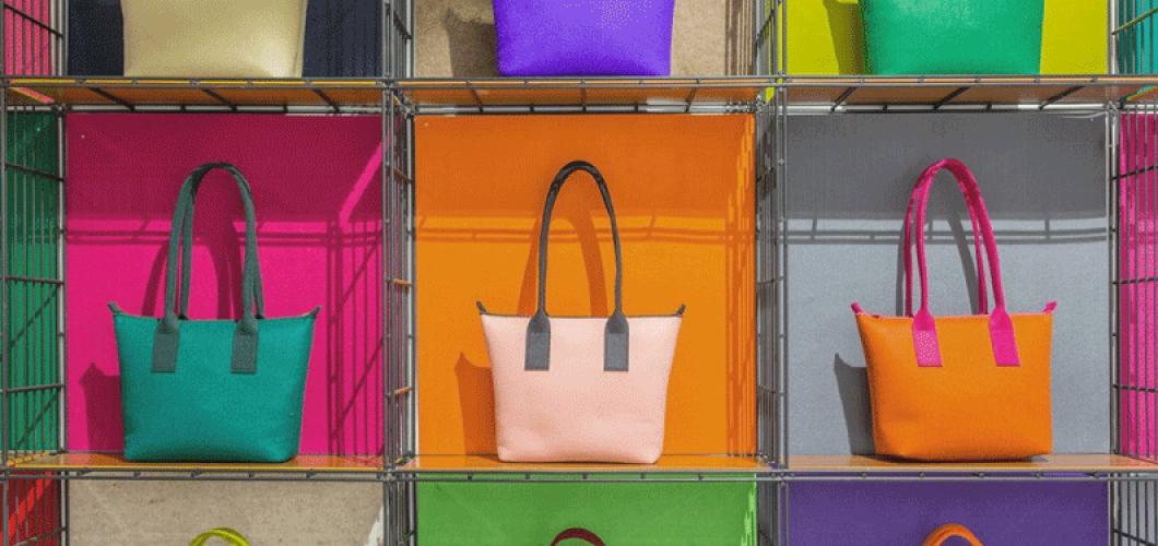 9d1a5a7e952e Buy   Sell Wholesale Designer Handbags