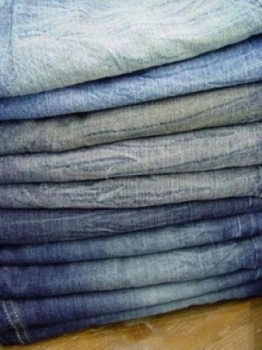How to Source Wholesale Jeans For Profit