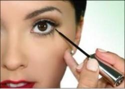 Liquid Eyeliner - Monday Market of the Week