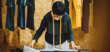 How to Find High Quality Clothing Manufacturers (+ list of 7 manufacturers to get you started!)